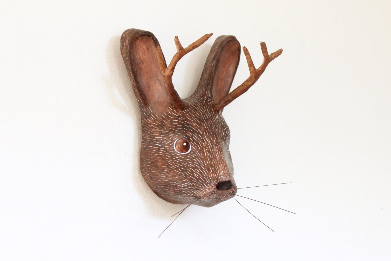 Sculpture tête papier mâché mur mont mythique animal Jackalope, (décoration animale collection unique)