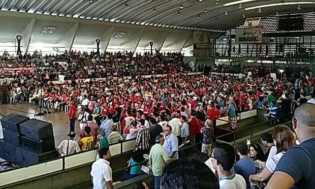 Categoria se reuniu na quadra do Clube Português, nesta sexta-feira, no Recife / Foto: Julierme Antonio/Comuniq