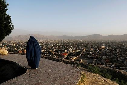 Талибы подняли флаг над президентским дворцом в Кабуле