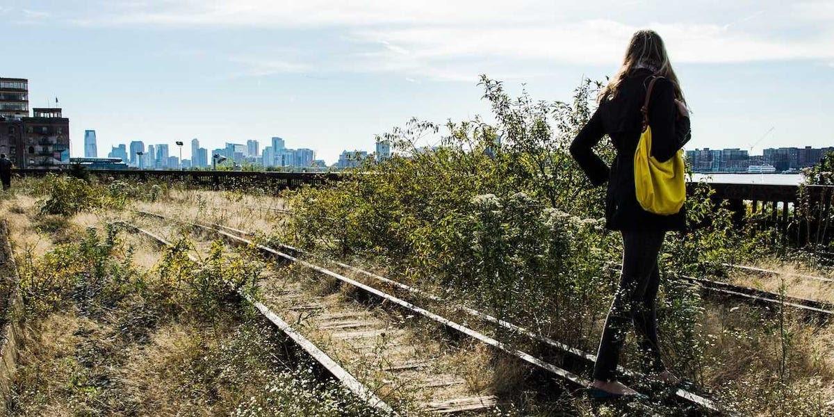 alone new york city train tracks