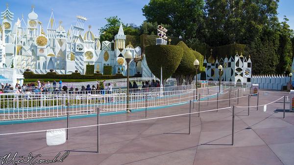 Disneyland Resort, Disneyland, Fantasyland, it's a small world, Facade
