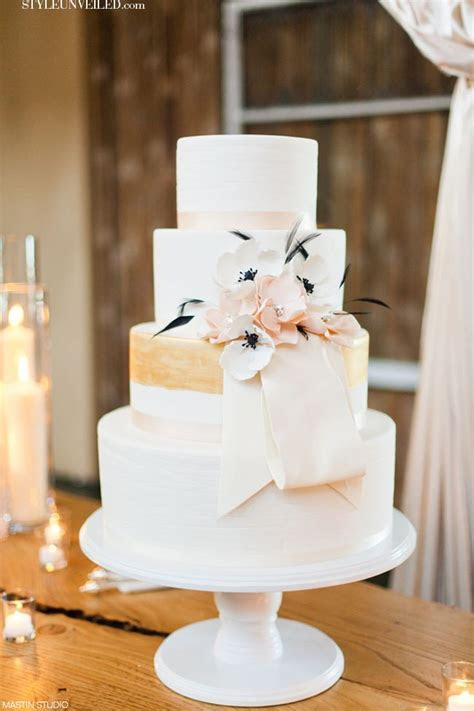 wedding cakes with gold accents spark and shine your day