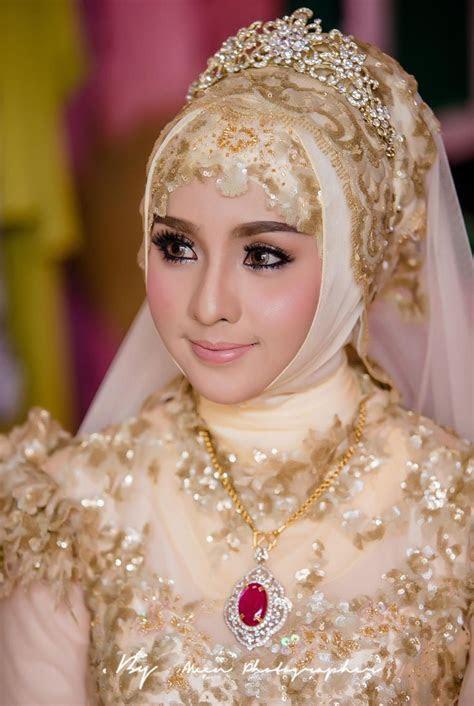 17 Best images about jilbab pengantin on Pinterest