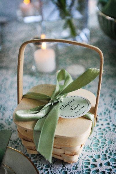 summer wedding favor ideas   Creative personalized wedding