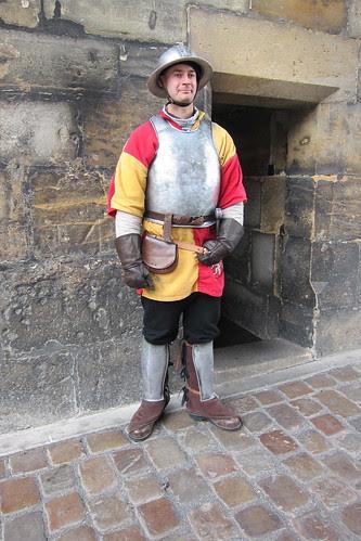 Urhea ritari Kaarlen sillalla