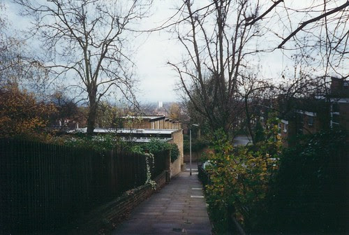 51 london path