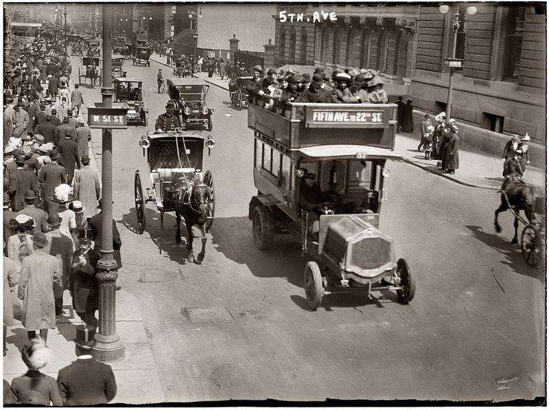 Fifth Avenue at 51st Street,New York 1913