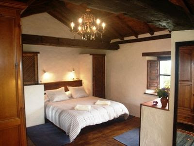 Eo-navia Comarca Cottage Rental: Romantic Secluded One Bedroom ...