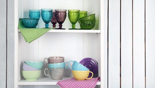 Ανακαινίστε τα Παλιά Ντουλάπια της Κουζίνας σας με Αυτόν τον Πολύ Οικονομικό Τρόπο
