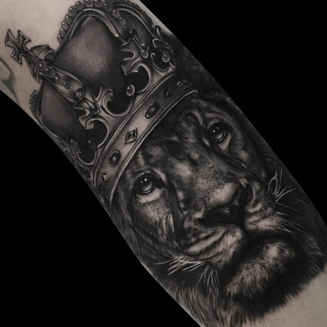 80 Noble Crown Tattoo Designs Treat Yourself Like Royalty