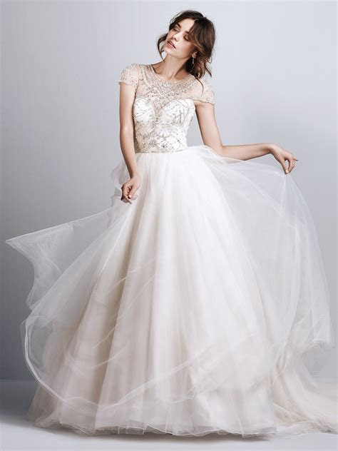 21 Exquisite Wedding Dresses with Cap Sleeves   weddingsonline