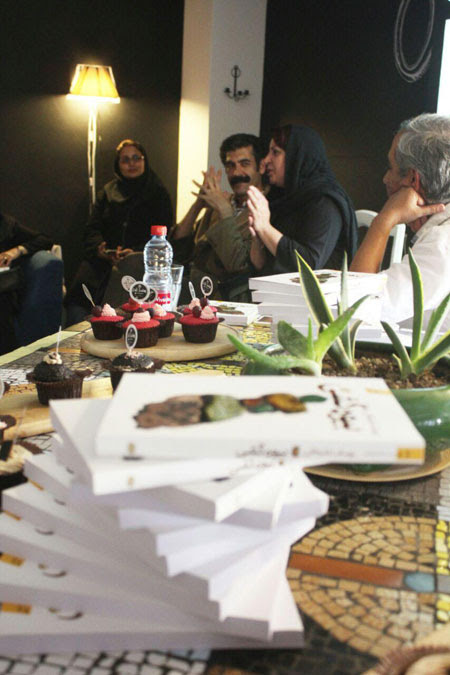 http://aamout.persiangig.com/image/00-94/940224/00.jpg