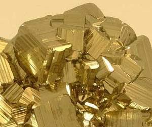http://www.inovacaotecnologica.com.br/noticias/imagens/010115111130-pirita.jpg