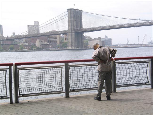 Brooklyn Bridge, beyond