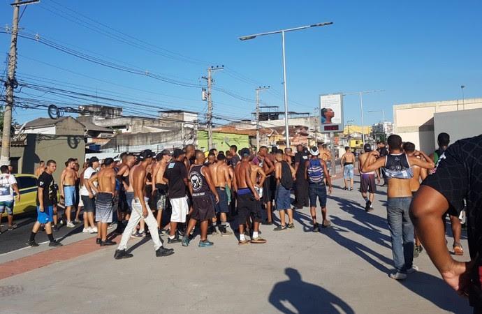 Entorno Engenhão Botafogo x Flamengo (Foto: Marcelo Baltar)