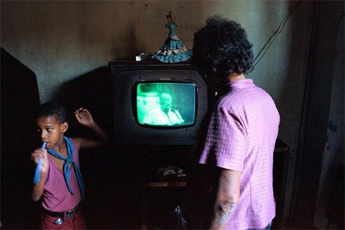 simone lueck photographer cuban television sets photography