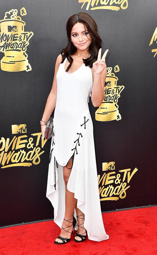 http://akns-images.eonline.com/eol_images/Entire_Site/201747/rs_634x1024-170507150428-634.Isabela-Moner-MTV-Movie-and-TV-Awards-Los-Angeles.kg.050717.jpg