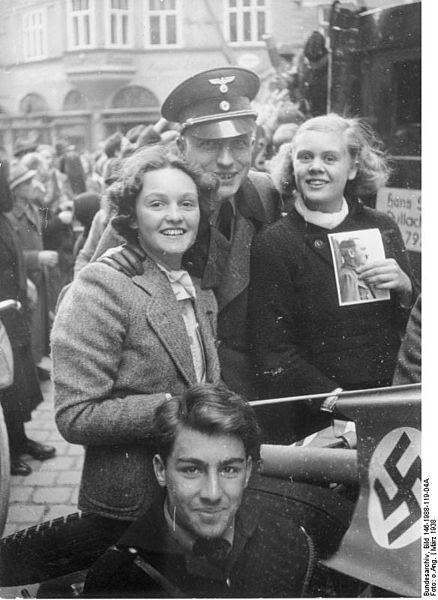 File:Bundesarchiv Bild 146-1988-119-04A,  Anschluss Österreich.jpg