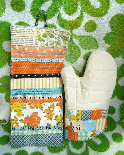 Patchwork oven mitt & plastic bag dispenser