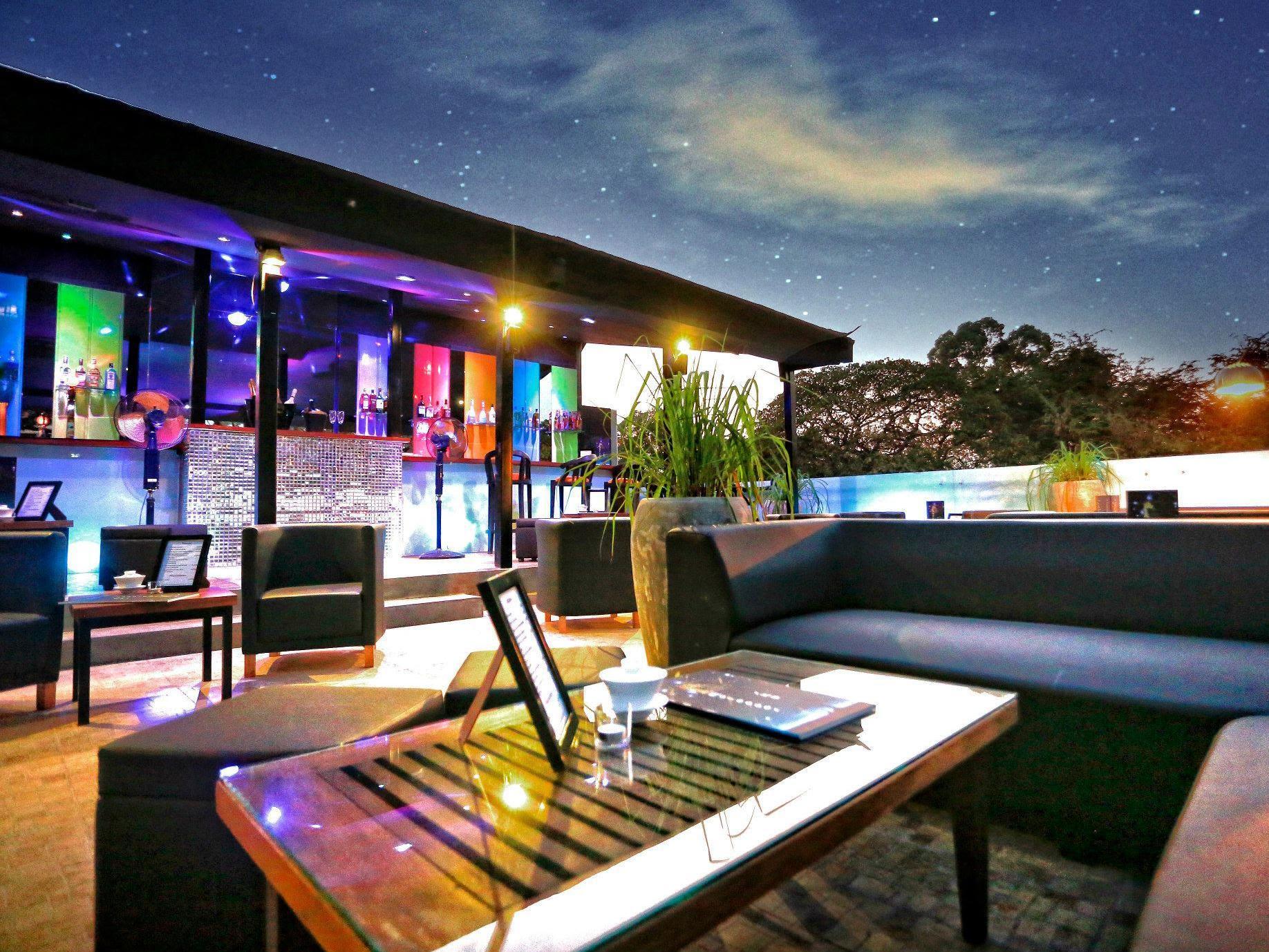 Moloppor Cafe Hotel Reviews