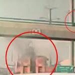 צפו:משאית 'גילחה' את גשר קוקה קולה; הולך רגל נמלט - סרוגים