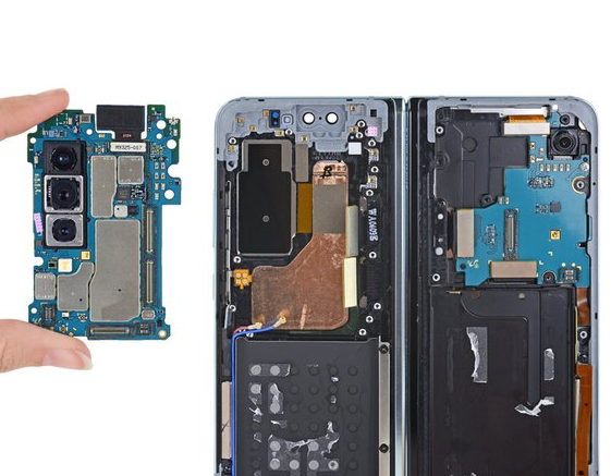 iFixit's Galaxy Fold teardown reveals its biggest design flaw