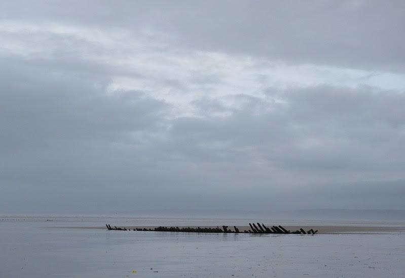 P1070014 - Shipwreck, Cefn Sidan