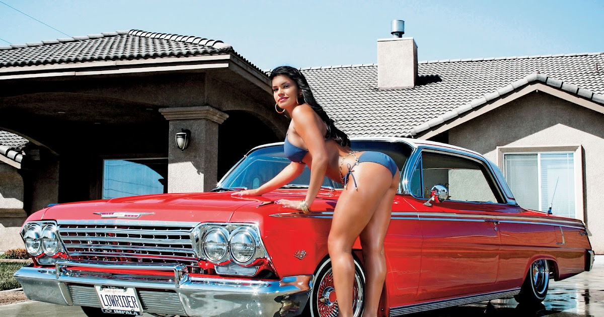 nude-in-lowrider-car-sex-kiss-nack-girl