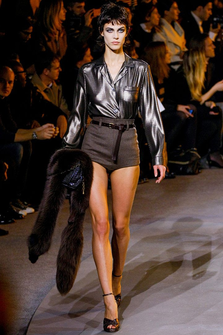 photo marc-jacobs-rtw-fw2013-runway-04_23380077275_zpsbdc85cc0.jpg