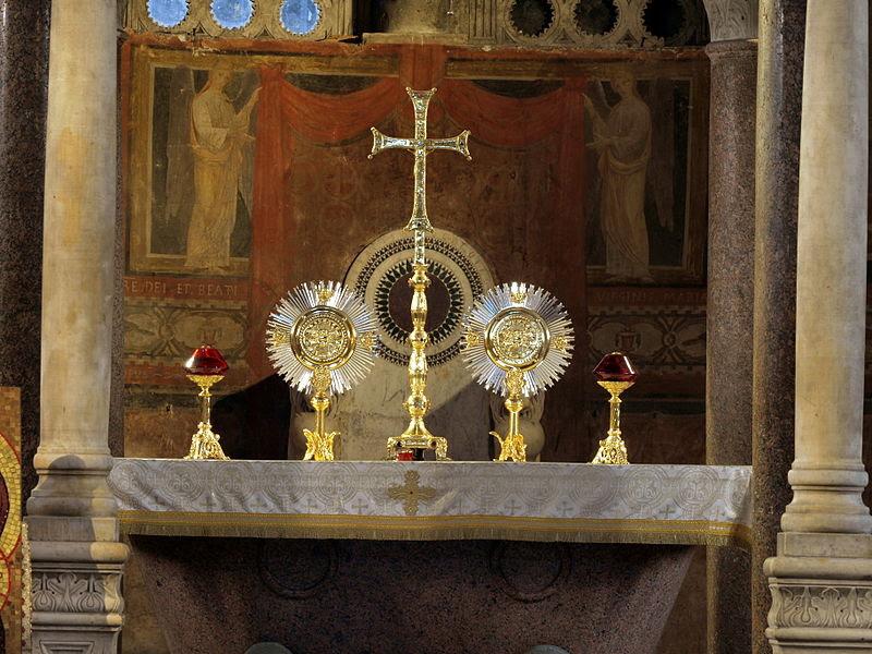 Santa Maria in Cosmedin (Rom) inerior bild 002.jpg