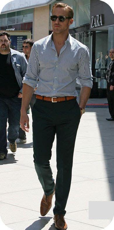 Ryan Gosling in Ryan Gosling and Steve Carell on the Set