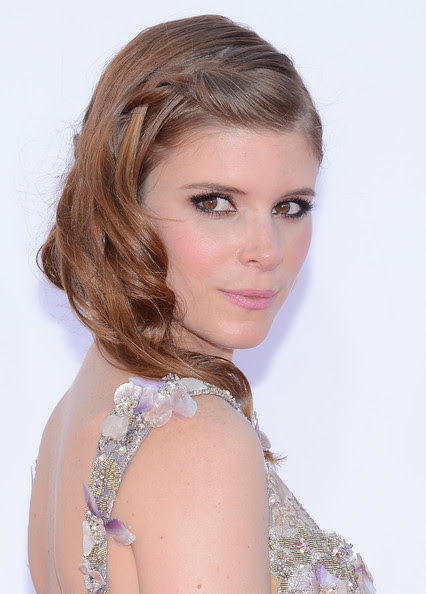 Actress Kate Mara arrives at the 64th Annual Primetime Emmy Awards at Nokia Theatre L.A. Live on September 23, 2012 in Los Angeles, California.