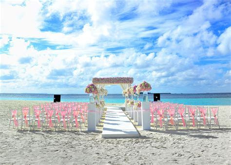 Amy & David?s Destination Wedding in Maldives Resort