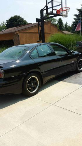 Sell Used 2002 Black Pontiac Bonneville Ssei And Factory Set Of Rims Included With Sale In