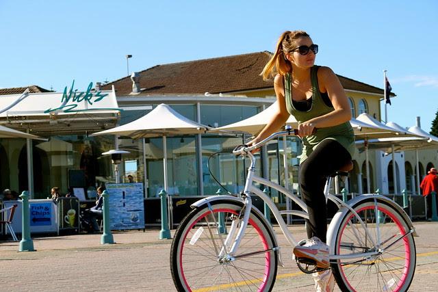 bondi girls on bikes 6643