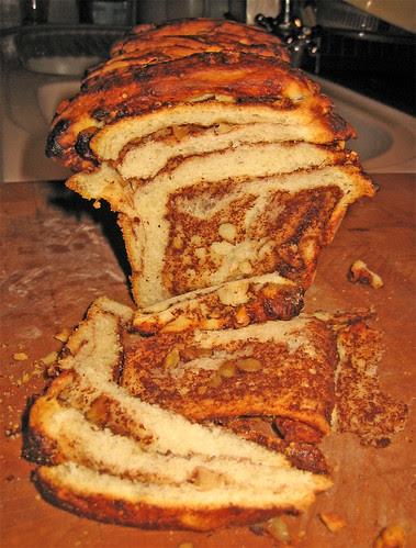 Pull Apart Bread (2) by fugzu
