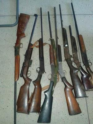 Armas estavam armazenadas em oficina na cidade de João Câmara. (Foto: Divulgação/Polícia Civil do RN)