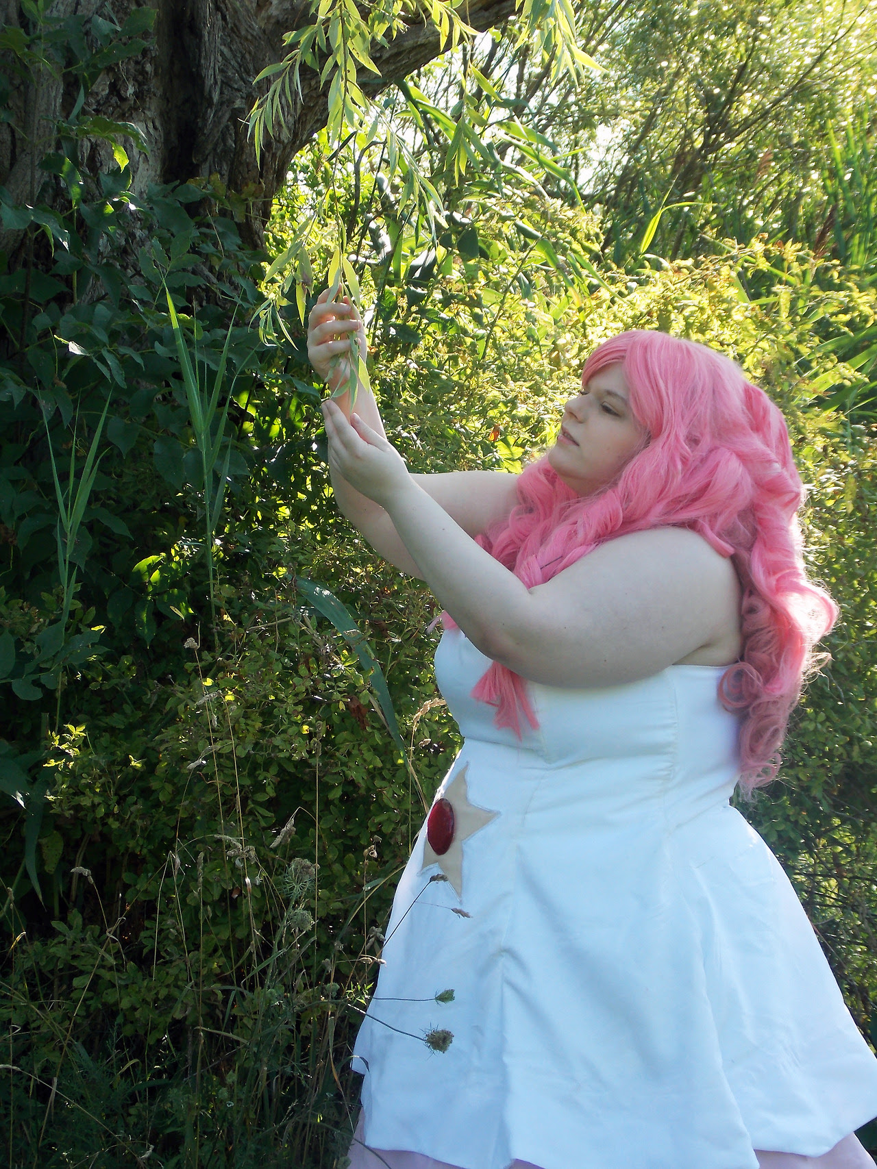 """Rose Quartz Cosplay - Part 2 Kae Burt 2016 "" Aaaaand I couldn't fit all the nicest pictures in Part 1, so here's Part 2 of my Rose Quartz, take 2."