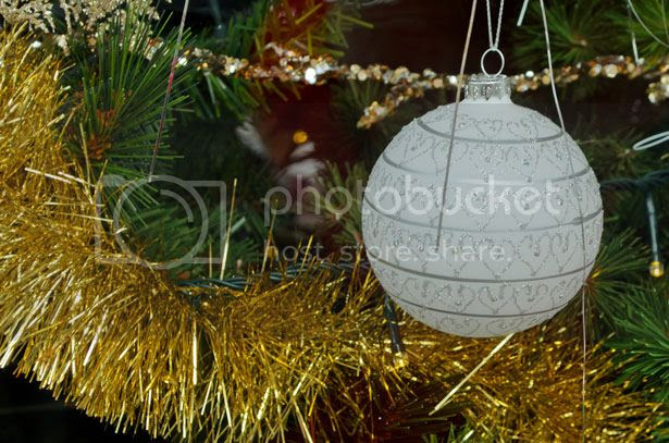 http://www.publicdomainpictures.net/view-image.php?image=27716&picture=christmas-decorations