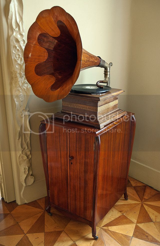 Gramophone or Phonograph [enlarge]