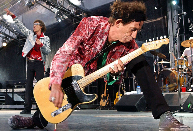 Keith Richards tocando la guitarra