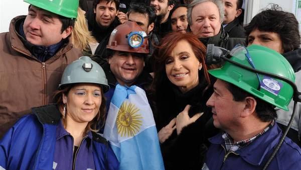 Cristina Kirchner en Río Turbio en una visita a la Usina. Foto Télam.