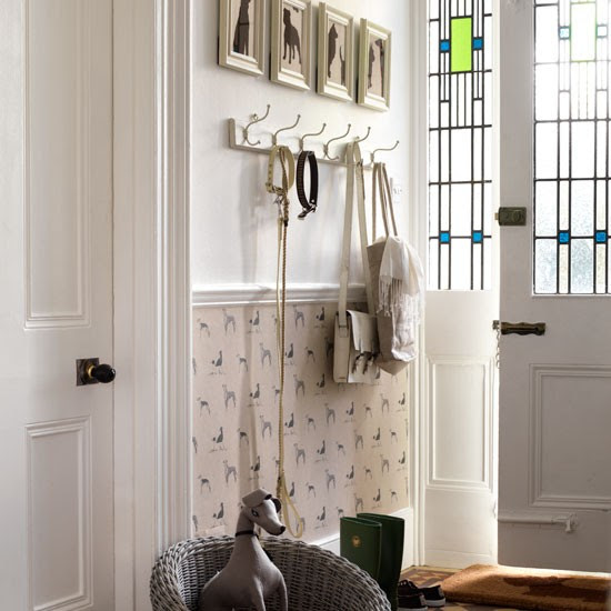 Dog-themed hallway | Hallway decorating ideas | Wallpaper ...