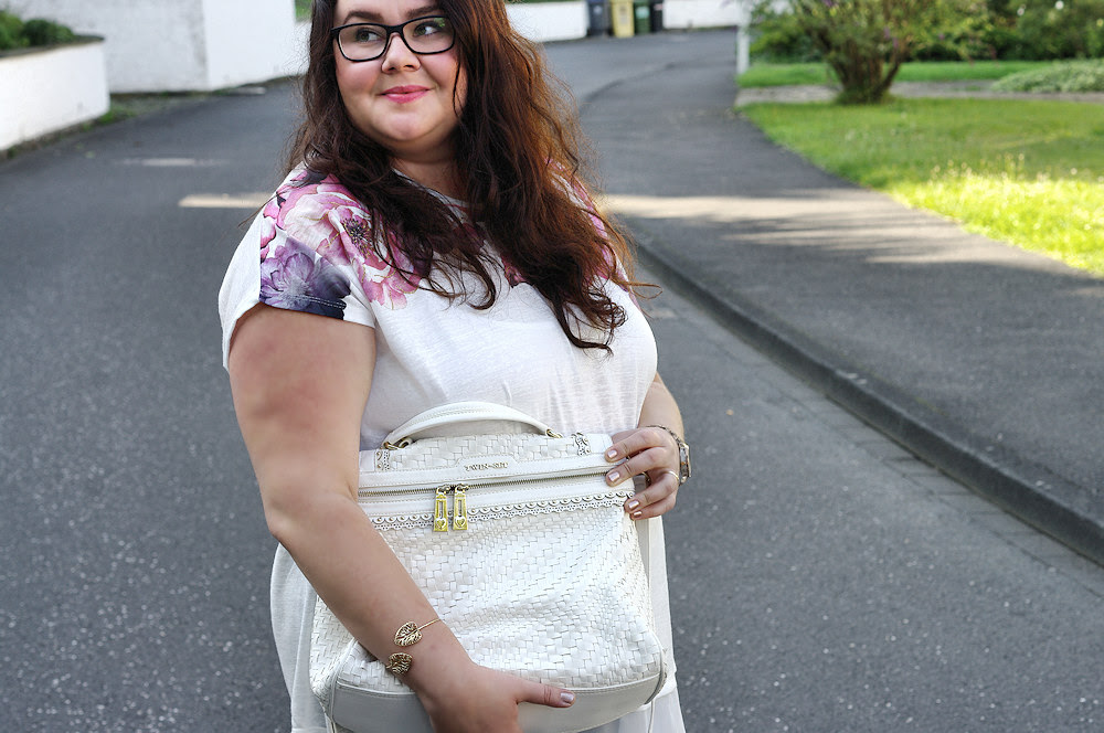 Große Größen Plus Size Fashion Blog twin-set white cecile bag your's clothing