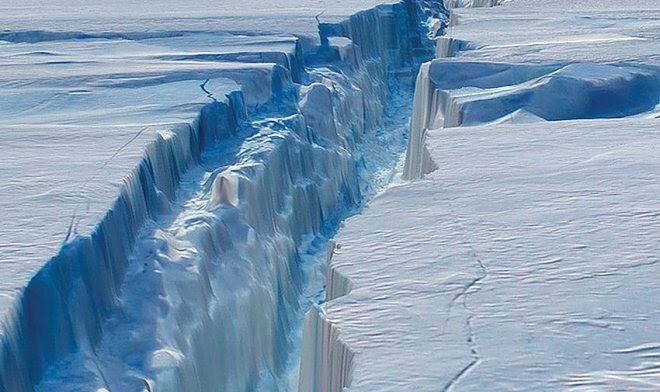 Ледяной «клей», который скрепляет Антарктиду, стремительно разрушается