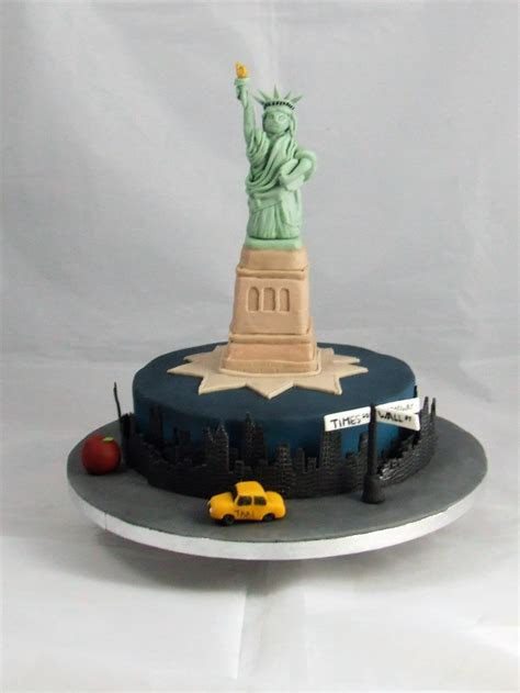 Statue of Liberty   EnTicing Cakes by Christine