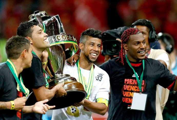 André Santos e Leo Moura Flamengo campeão Copa do Brasil (Foto: Alexandre Cassiano / Agência O Globo)