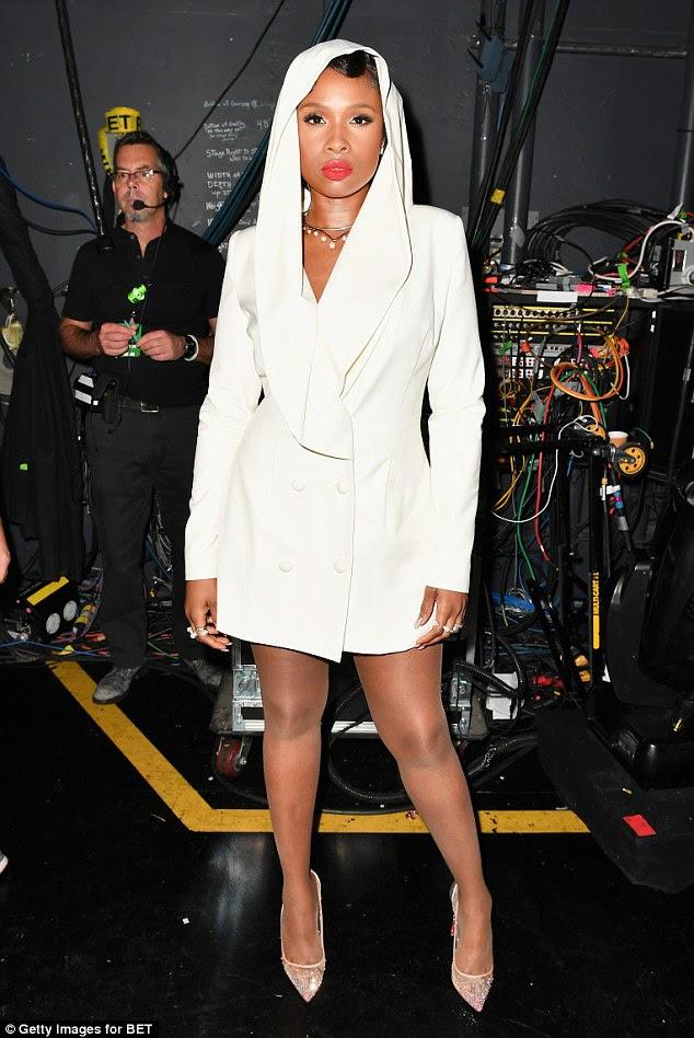 Glam: Ela usava o estilo smoking com as pernas à mostra