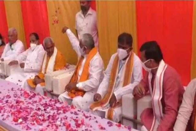 बलिया गोलीकांड के आरोपी का बचाव करने वाले BJP विधायक पर पार्टी अध्यक्ष ने बरसाए फूल