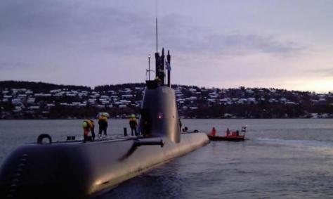 `Ο Σαμαράς πρέπει να θέσει το θέμα των υποβρυχίων στη Μέρκελ`